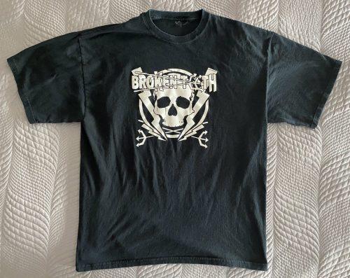 "Broken Teeth – ""Logo"" XL T-Shirt"